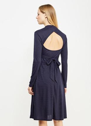 Платье темно-синее в рубчик трикотаж с открытой спинкой и воротником lost ink asos