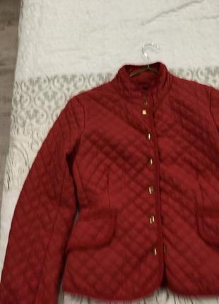 Куртка красная осень -весна