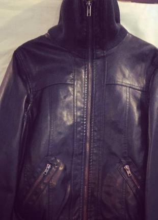 Отличная кожаная куртка new look