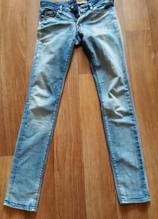 Новые джинсы американского бренда