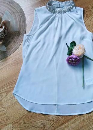 Легкая летняя блузка с жемчугом