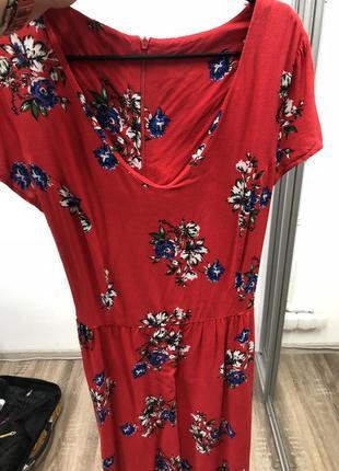 Супер платье красное в цветочек