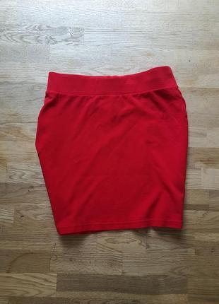 Красивая красная юбка на талию