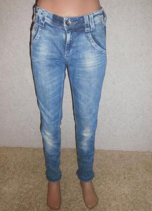 Очень крутые джинсы от h&m.