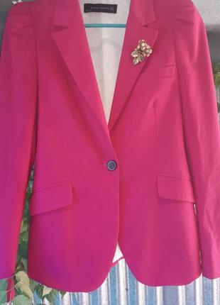Малиновый стильный модный пиджак