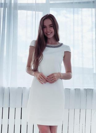 Потрясающее белок платье  от gizia