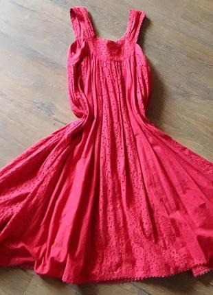 Платье широкое под пояс или так