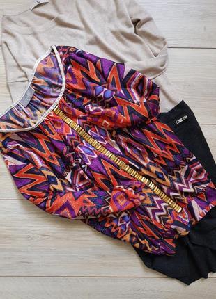 Стильна блузка в трендових кольорах