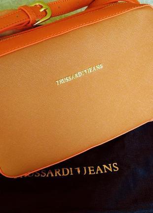Яркая сумочка trussardi jeans