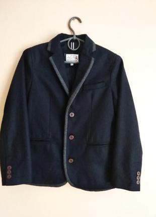 Піджак,костюм,шкільна форма  j jeans