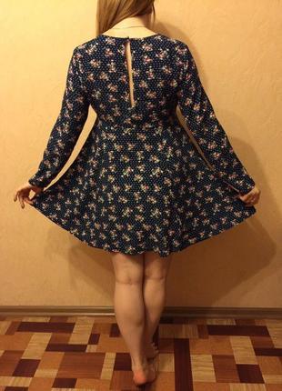 В бифри платье в цветочек