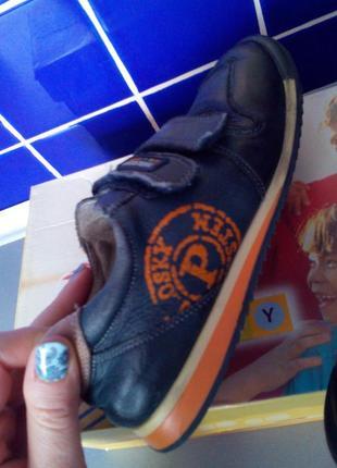 Туфли-кроссовки pablosky полностью натуральная кожа.на ножку 16.5 -17.5 см.
