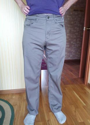 Літні легенькі чоловічі брюки
