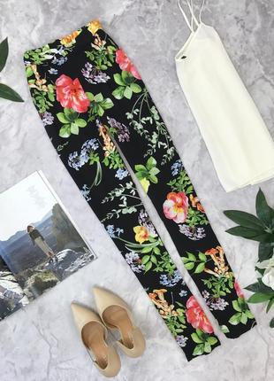Стильные брюки с ярким цветочным принтом   pn1828017  quiz