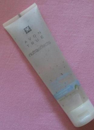 Очищающий скраб для лица avon true nutra effects 100 мл