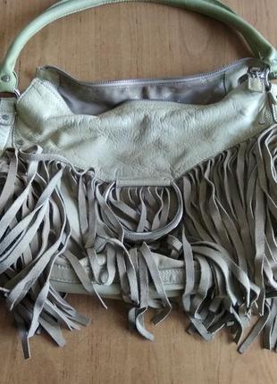 Кожаная сумка хобо karen millen  с бахромой.
