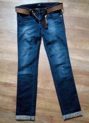 Фирменные джинсы 44р в идеальном состоянии