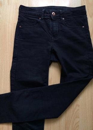 Чорные джинсы h&m