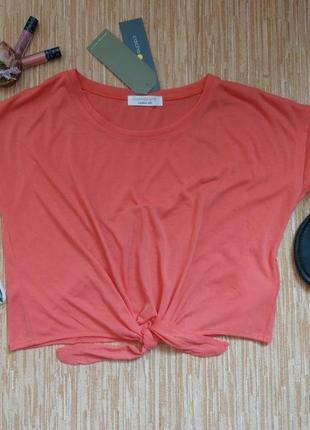Короткая футболка новая сток
