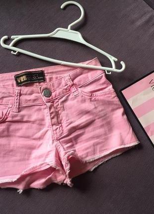 Клевые коротенькие розовые шорты yesyes