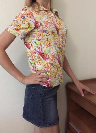 Позитивная  футболка с ярким принтом