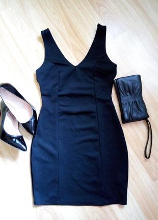 Маленькое черное платье с полосками на спине miss selfridge