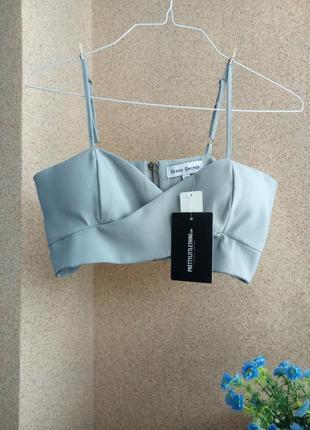Укороченная блуза/топ от prettylittlething