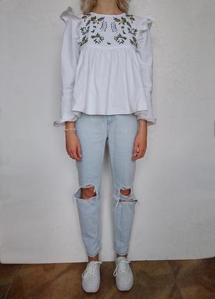 Рваные мом/бойфренд джинсы на высокой посадке new look, s