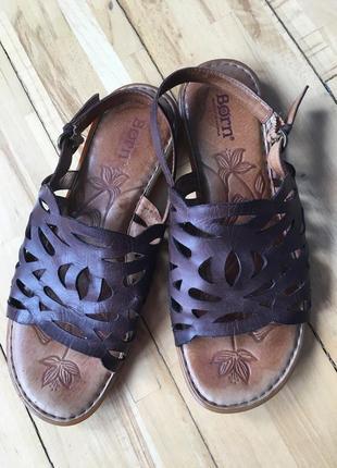 Кожаные сандалии born