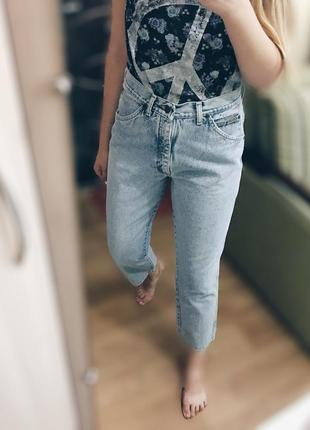 Шикарные джинсы-бойфренды высокая посадка m-l идеал!