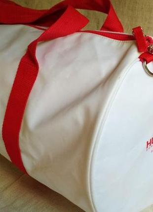 Спортивная сумка hugo boss белая