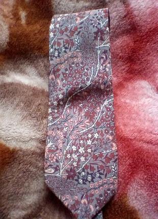 Шёлковый галстук от pierre cardin.