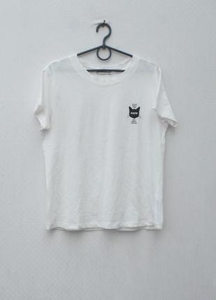 Белая хлопковая футболка с принтом с надписью