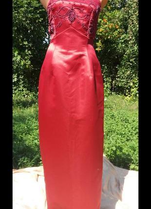 Шикарное вечернее платье расшитое бисером asos цвета гренадин