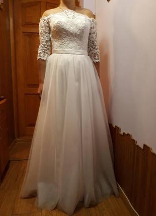 Платье свадебное кружево открытые плечи корсет шнуровка