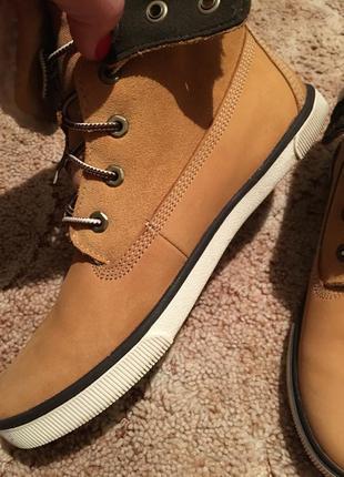 Продам ботинки ботинки timberland 39 р