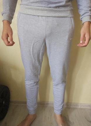 Серые мужские штаны спортивные с манжетом с м л хл 2хл reebok