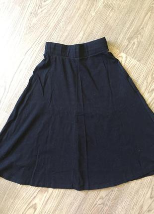 Чёрная юбка-миди с высокой талией