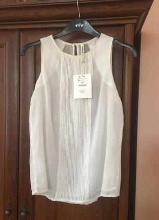 Белая блузочка з золотом страдивариус