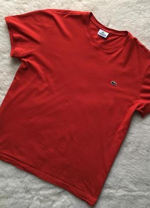 Крута футболка на літо відомого бренду