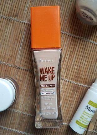 Тональный крем rimmel wake me up