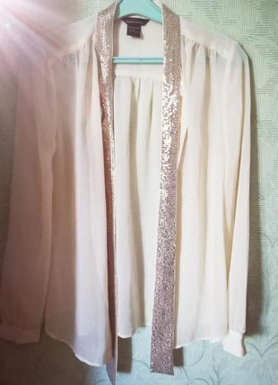 Очень красивая блуза с пайетками