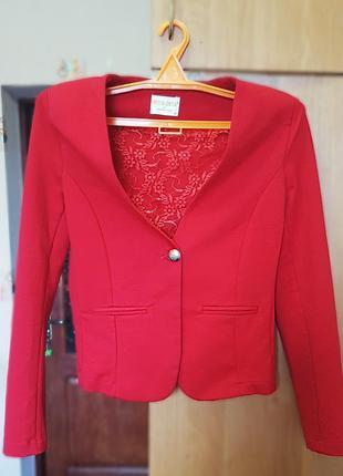 Червоний піджак miss esta (40p)