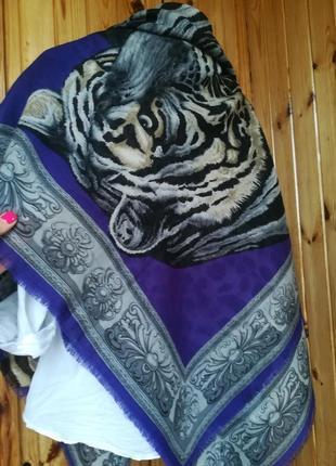 Итальянский шерстяной огромный платок. 100% шерсть.