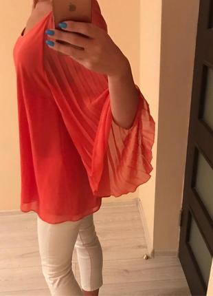 Яркая блуза wallis