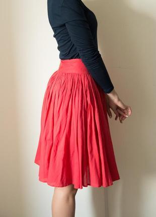Пышная красная юбка