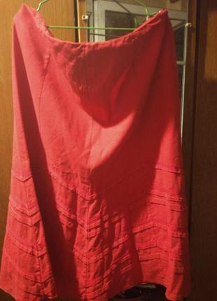 Красивая  летняя юбка насыщенного красного цвета