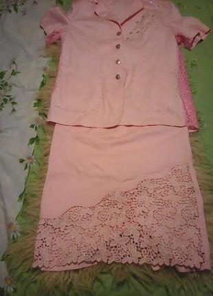 Розовые очень красивый летний костюм