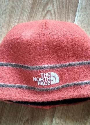 Шерстяная теплая шапка tnf