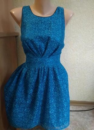 Красивое кружевное платье, xs размер